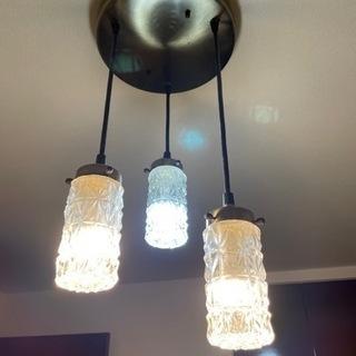 【アンティーク】ガラス照明 3灯 天井照明 ビーカンパニー