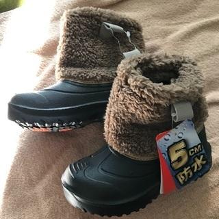 新品未使用 16.0cm(15cm) 防水 冬用ブーツ 軽…