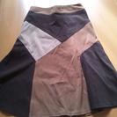 茶色のロングスカート