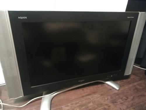 2007年製 AQUOS 32型 テレビ 大きな傷、凹みはありません。... 中古 売ります・あげます
