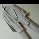 七分袖ベージュのスーツ