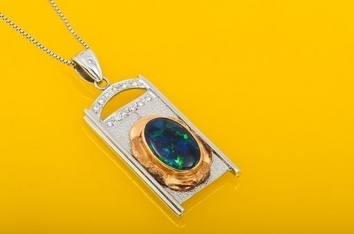 Pt/K18 ブラックオパール・ダイヤモンド ネックレス 品番1-401