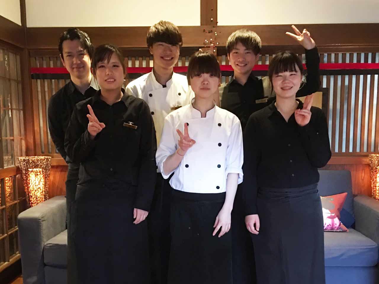 【急募】(1)厨房/キッチン [ア] (2)接客/ホール [ア] ...